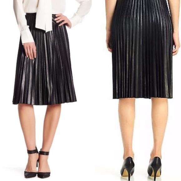 6f6c176b83 Melissa Paige Black Pleather Pleated Skirt Size 14.  M_5ac2f0418af1c596d5279496